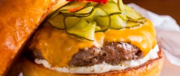 Frank & Charles comemora dia Internacional do Hambúrguer com promoções