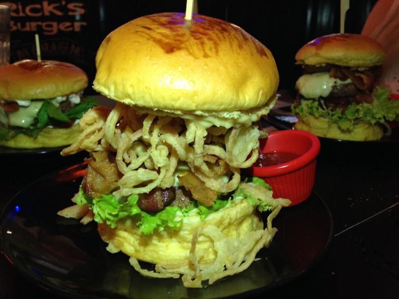 ricks-burger-08