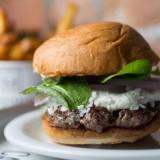 Hambúrguer com queijo de cabra é uma das novidades do Cabana Burger