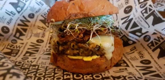 Raw Burger n Bar abre casa veggie em São Paulo