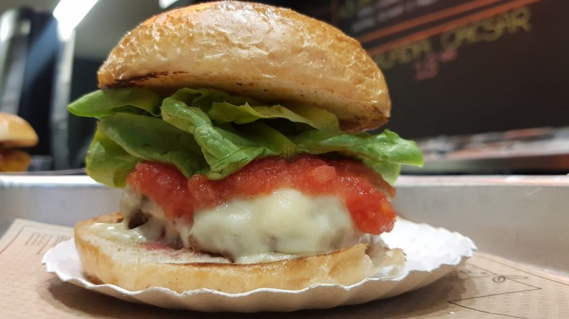 the burger market 05