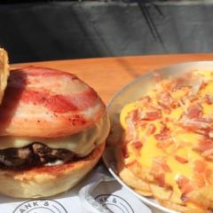 Frank & Charles Comemora Dia Internacional do Bacon