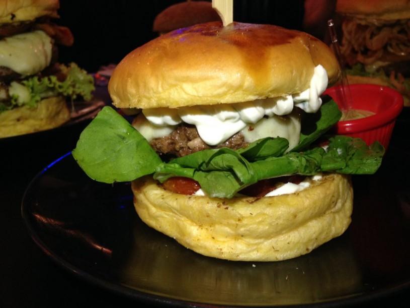 ricks-burger-05