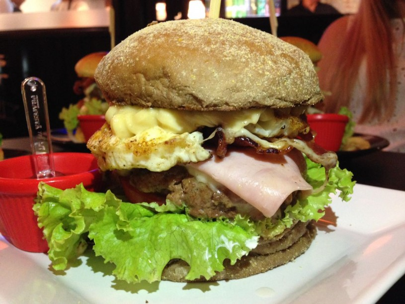 ricks-burger-09