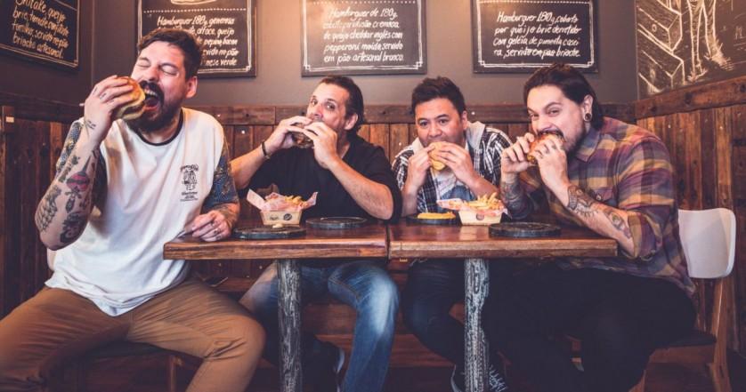 Na ordem, Fi do Holy Burger, Donato do Stunt Burger, Marcelo do Frank & Charles e Lierson da Tradi.